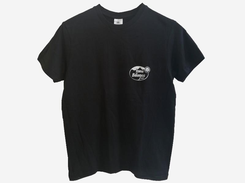 t-shirt-avec-fond-370